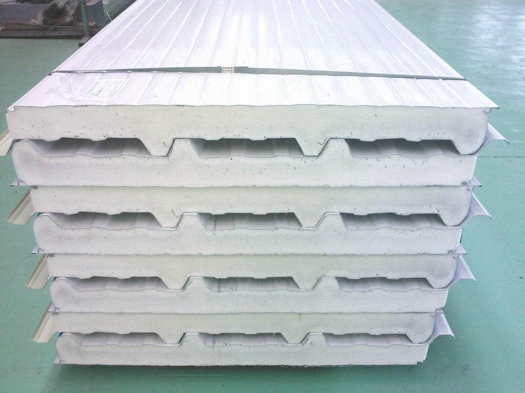 Metal Polyurethane Sandwich Panel Roof Tiles Wall Panels